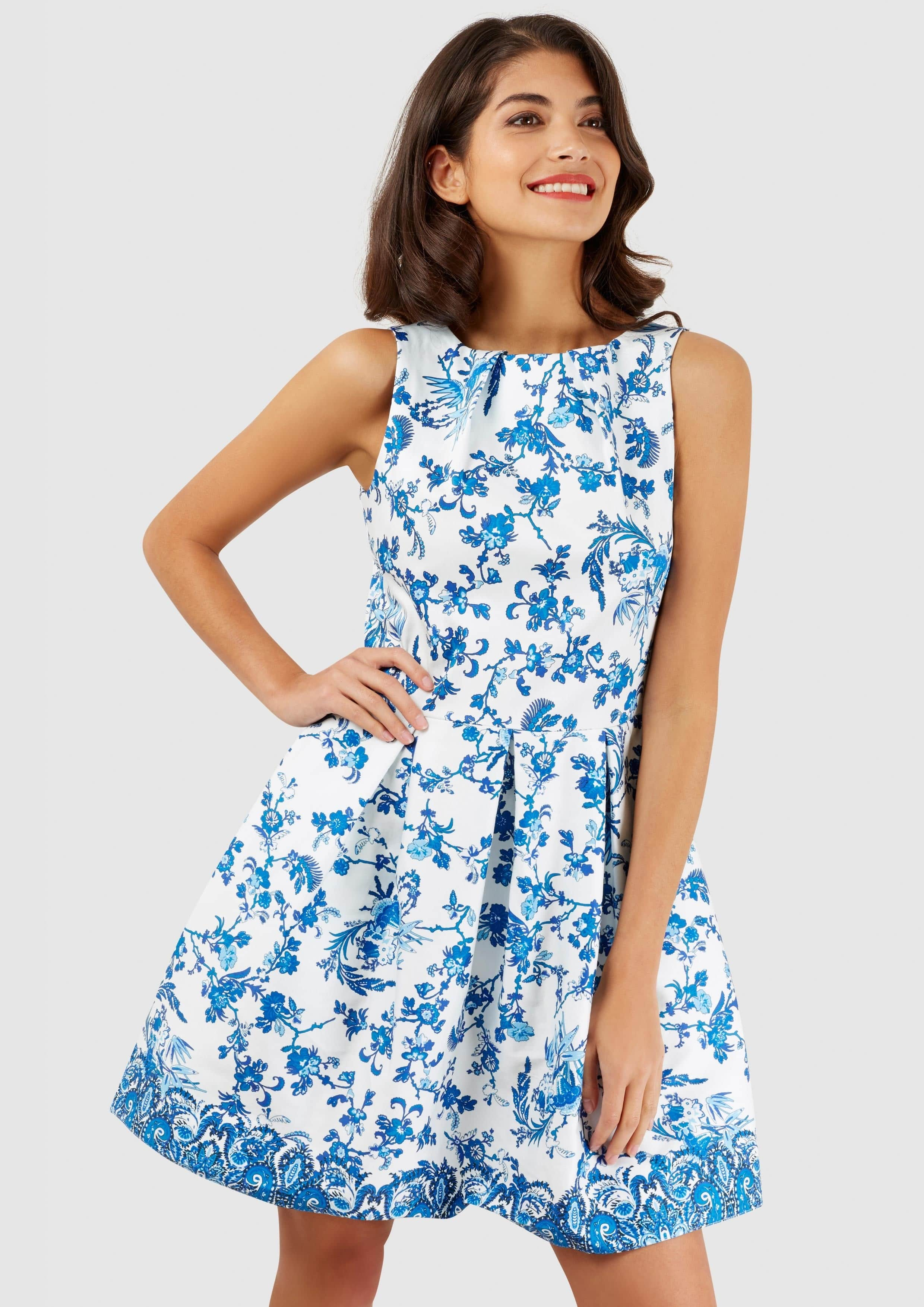 c304cd1799c5 CLOSET London Biele Šaty S Modrými Kvetmi - JoyStore.sk