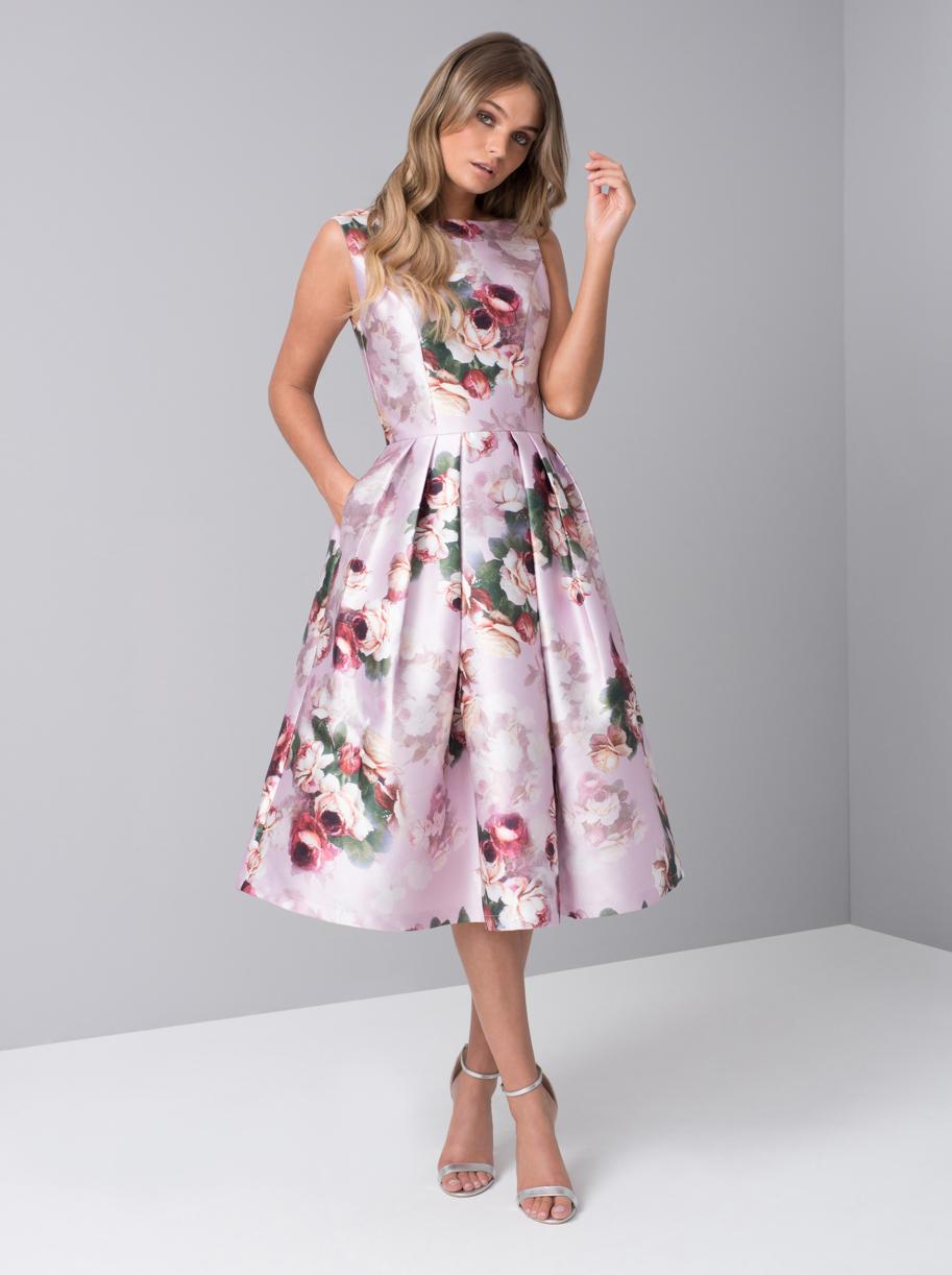 8a195cfc760a Chi Chi Ariyah Spoločenské Šaty S Ružami - JoyStore.sk